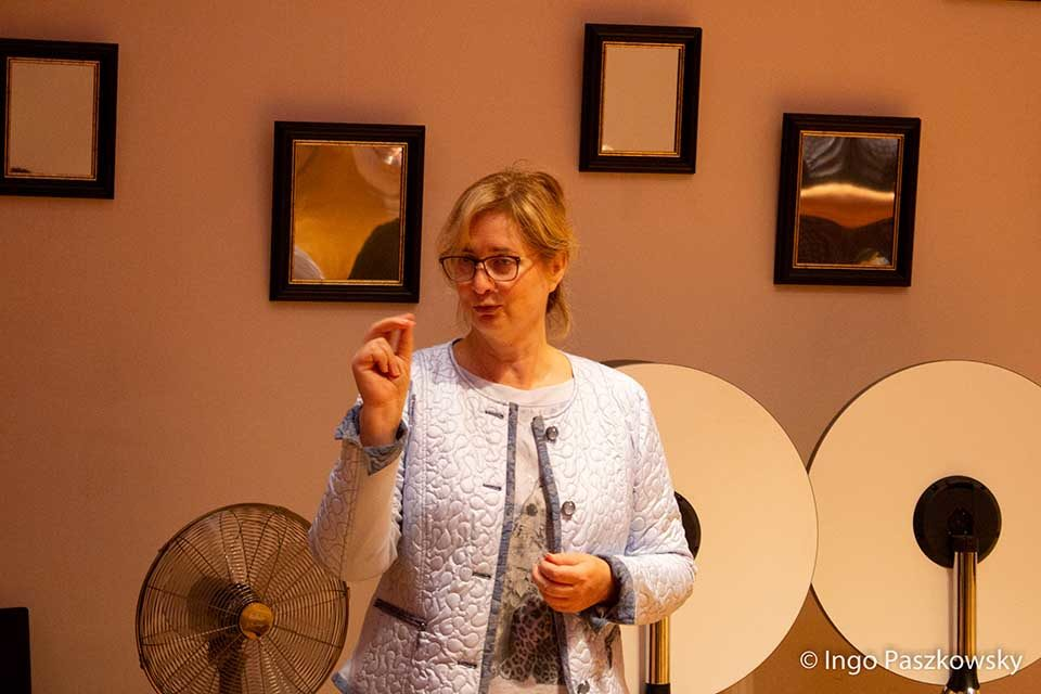 Hoteliére Renate Lewerken hat nicht nur ein gutes Händchen bei der Führung des ArtHotels Kiebitzberg, sondern fördert auch Kunst und Kultur in der Region.