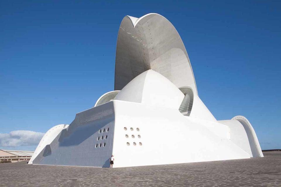 Auditorio de Tenerife. Dieser spektakuläre Bau ist das inoffizielle Wahrzeichen der Stadt Santa Cruz de Tenerife. Foto: Ingo Paszkowsky