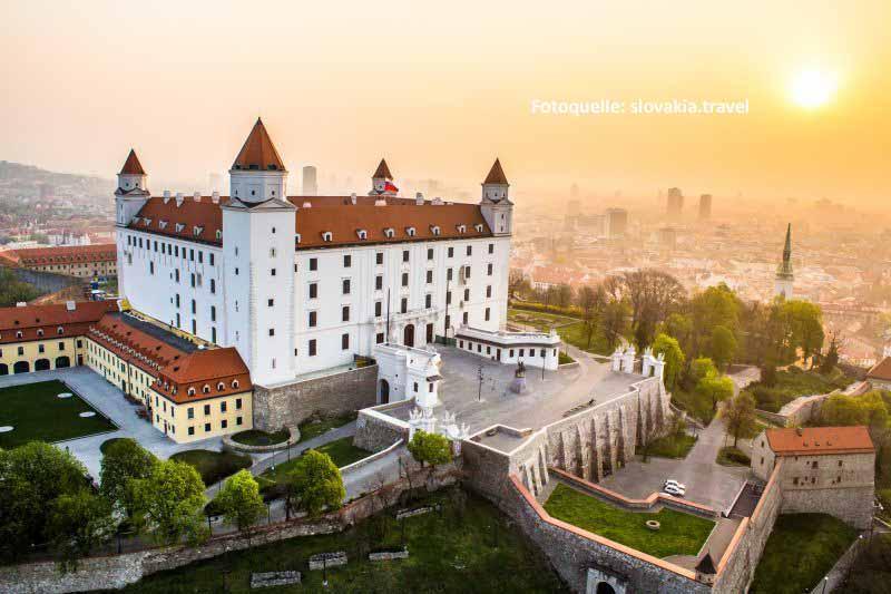Die Burg Bratislava ist das Wahrzeichen der Stadt. Fotoquelle: slovakia.travel