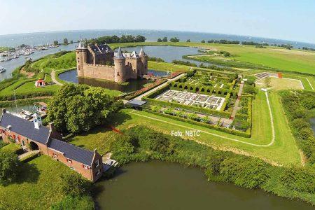 Schloss Muiden auf der Holländischen Wasserlinie. / Foto: NBTC