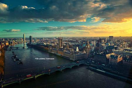Werden nach dem Brexit über London mehr dunkle Wolken hängen oder wird mehr die Sonne scheinen? Foto: pixabay / liushuquan